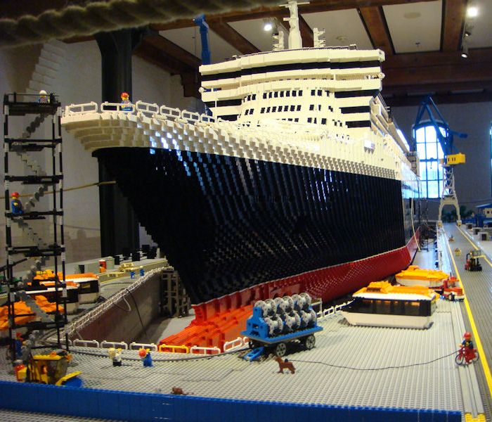 photo 1 RMS Queen Mary 2 ship Lego model construction in Hamburg, photo 1  of 8