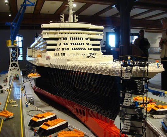 RMS Queen Mary Ship QM - Biggest lego ship